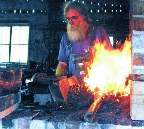 http://glengarry247.com/glengarry247/sites/default/files/field/image/Blacksmith (Johnston)32A new.jpg